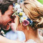 決め手はお花♪花嫁が理想のヘアアレンジを実現するためのコツとおすすめヘアスタイル20選