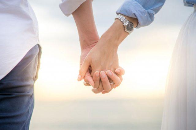 スピード婚の理由は「一緒に外を歩きたい♪」