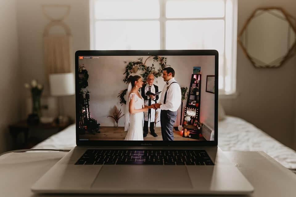 オンライン結婚式に必要なもの